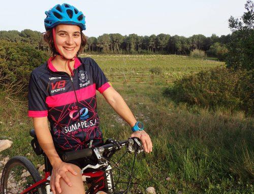 Vídeo entrevista a Sandra Cuello: «Viajar en bici desafía tus límites»